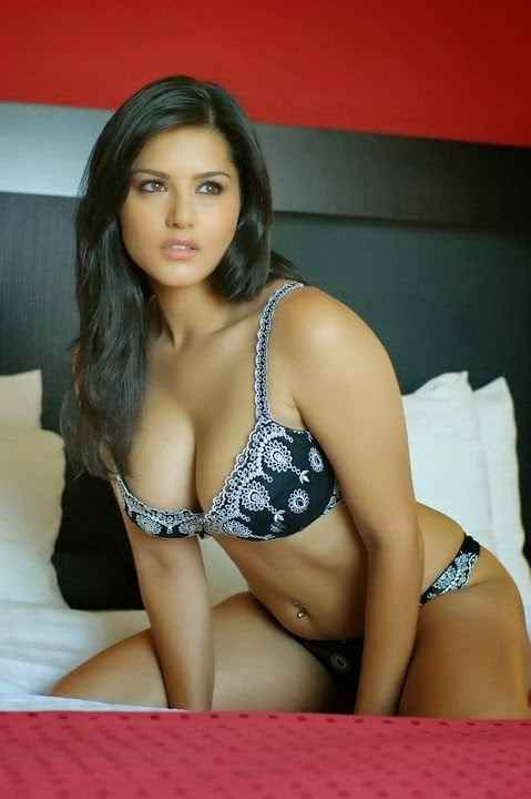 Sunny-Leone-Hot-Bikni-Photo-Shoot-31 1